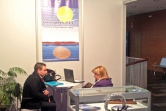 imex13j_stands_05
