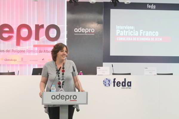 La consejera de Economía, Empresas y Empleo, Patricia Franco durante su intervención, en la Asamblea de la Asociación de Empresarios del Polígono de Romica